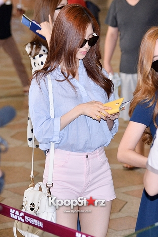 kpopstarz\girls-generation-snsd-at-gimpo-airport-heading-to-japan (51).jpg